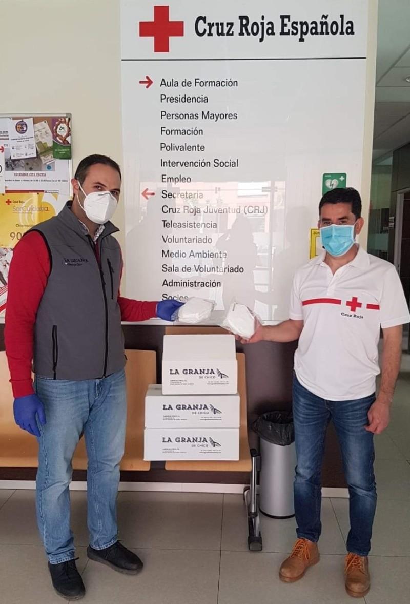 La Granja de Chico dona mascarillas a la Cruz Roja de Aranda de Duero
